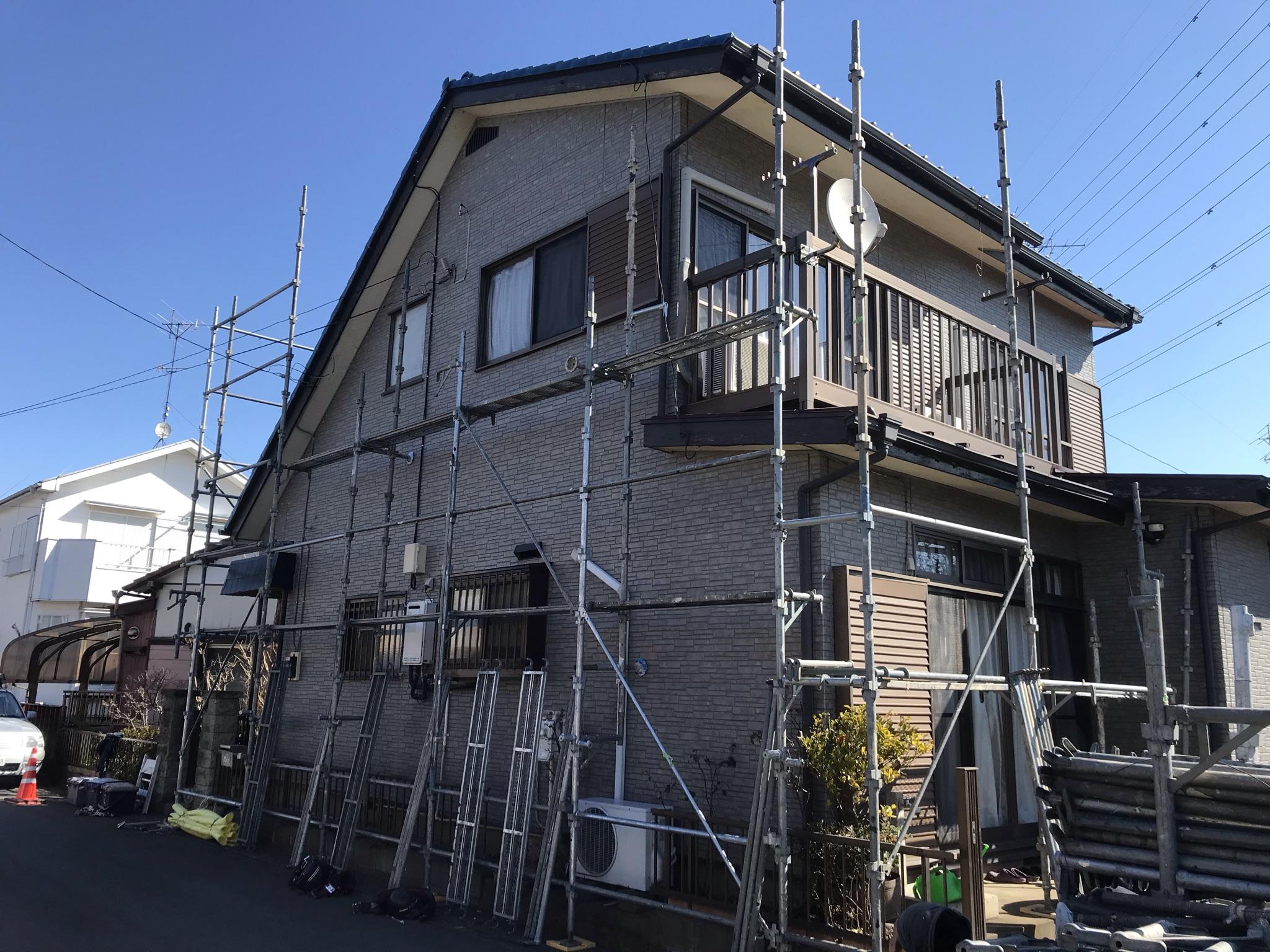 伊奈町寿外壁塗装の仮設足場設置