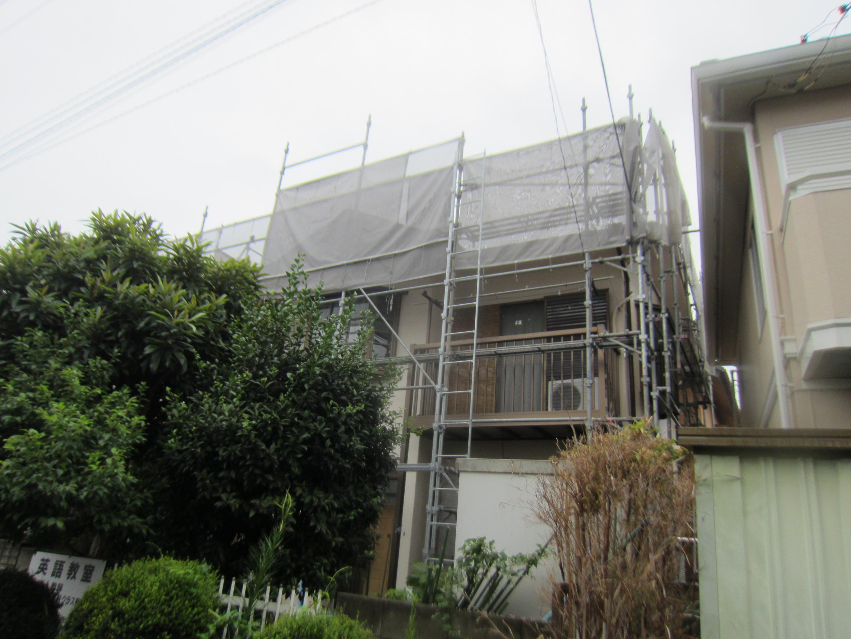 屋根塗装足場設置2