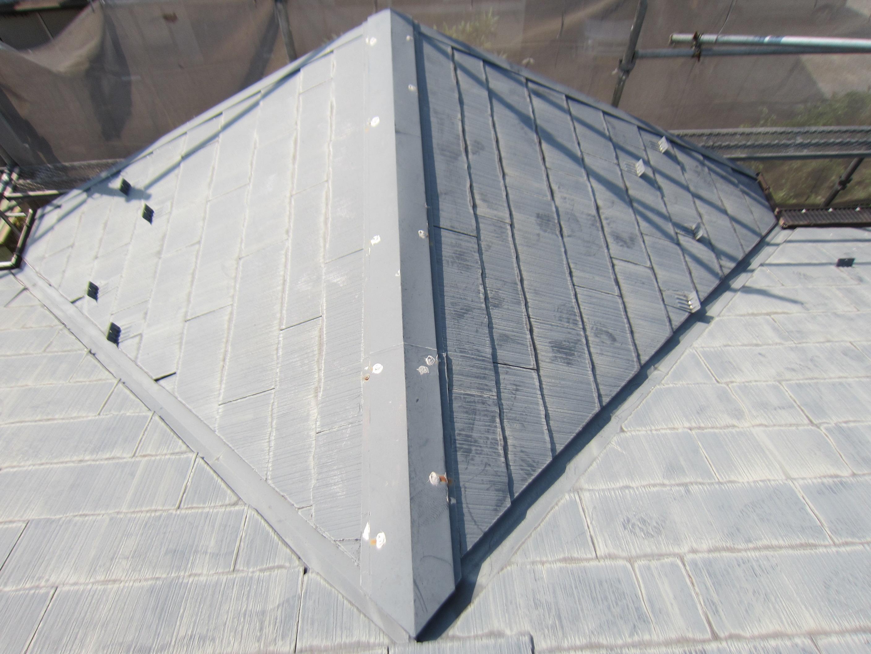 スレート屋根の塗装前補修完了