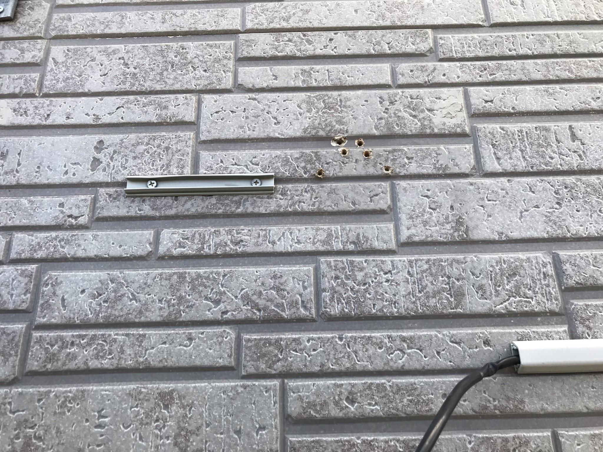 伊奈町塗装前準備に外壁の不要物撤去