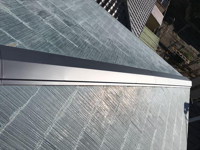 伊奈町の強風で剥落したスレート瓦屋根の棟板金交換