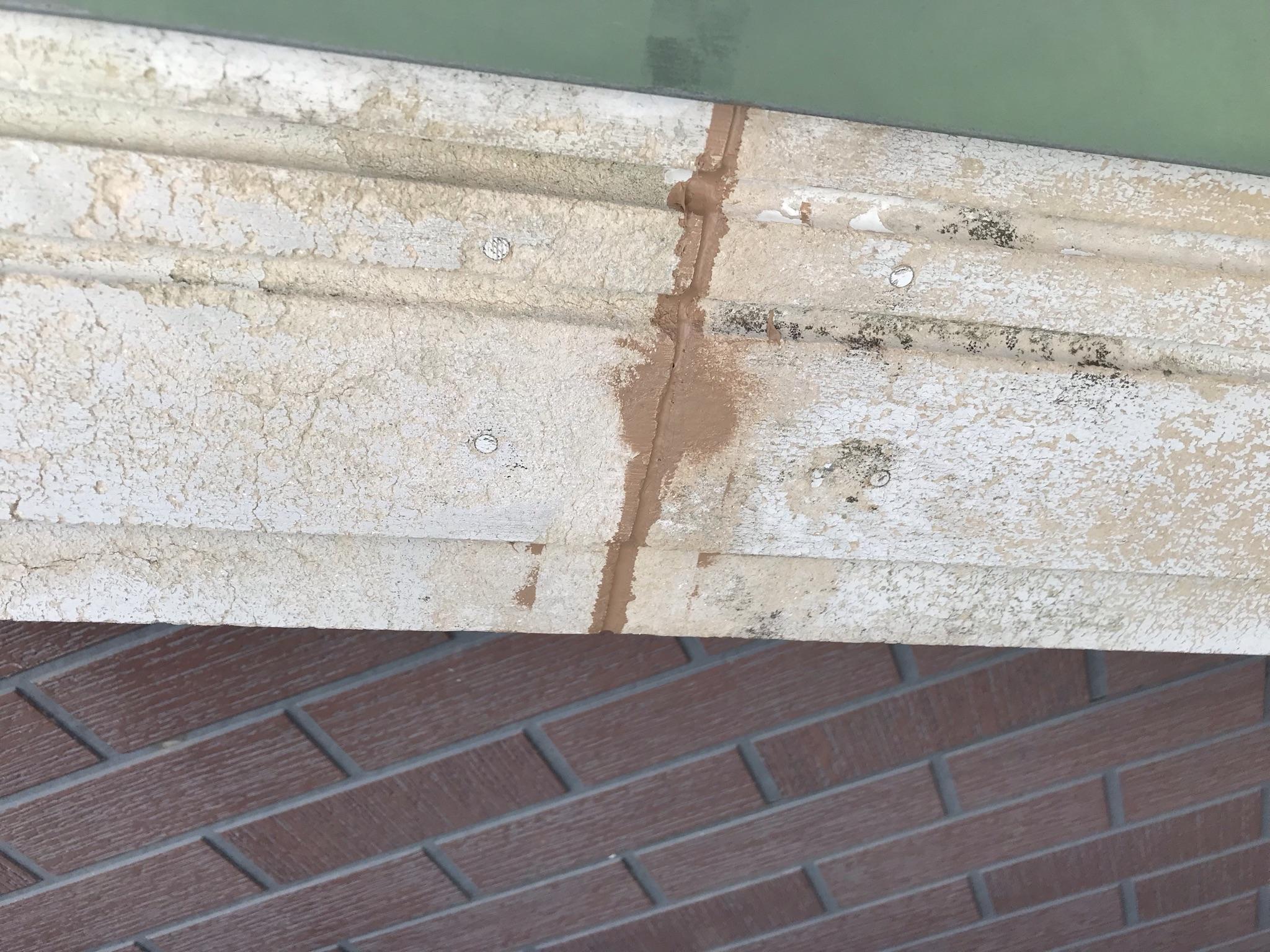 伊奈町輸入住宅外壁塗装前に破風板コーキング補修その2