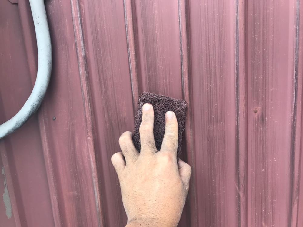 トタン外壁ケレン作業