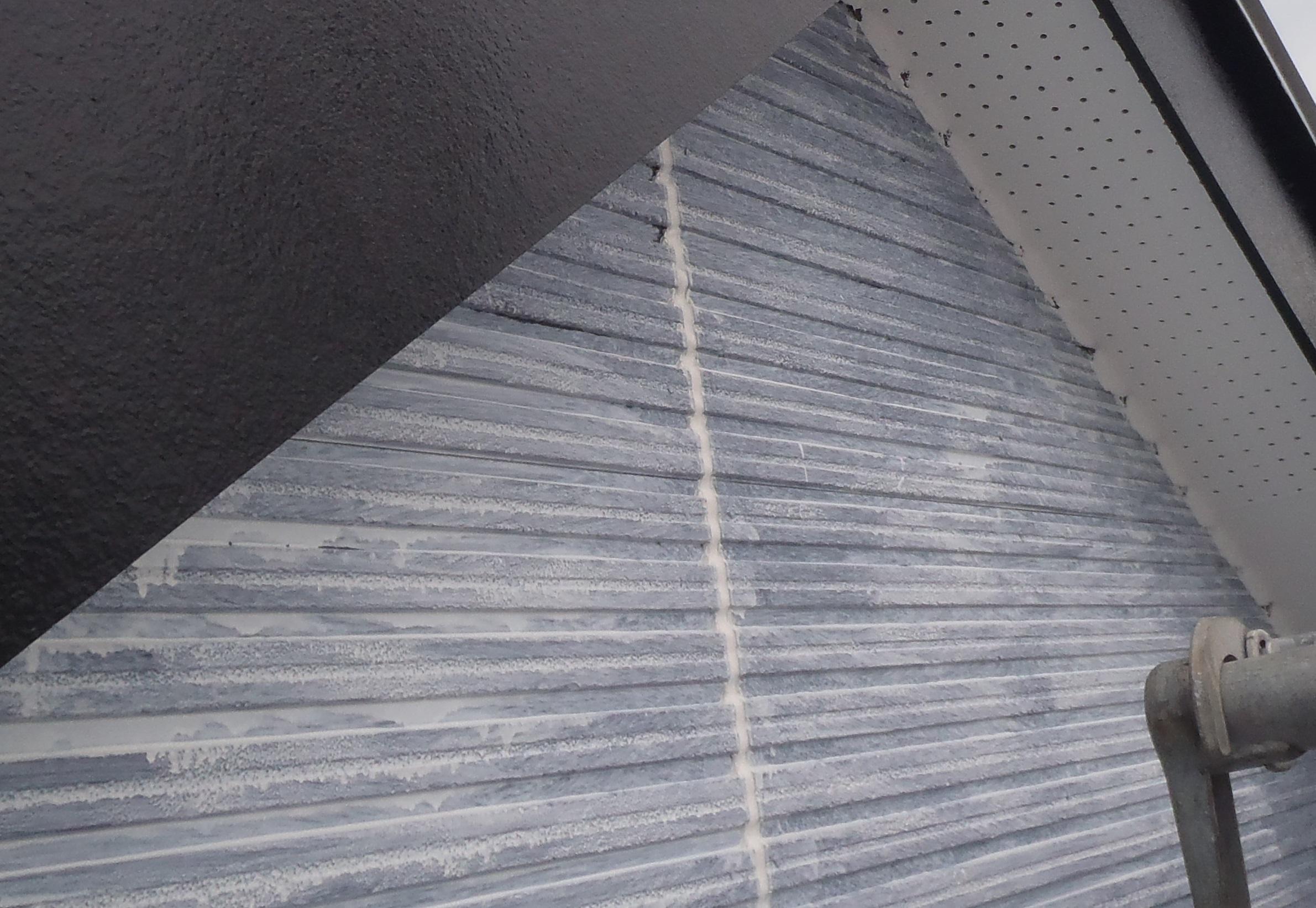 サイディング外壁下塗り