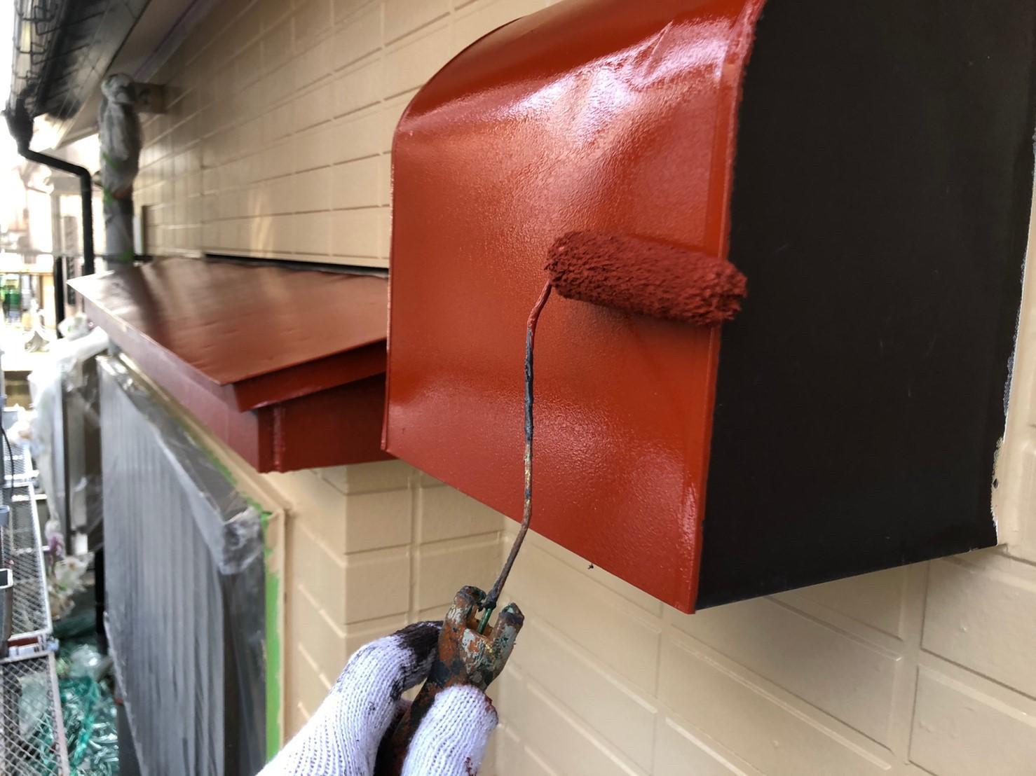 さいたま市岩槻区換気扇カバー下塗りは防さび塗料ハイポンファインデクロを使用