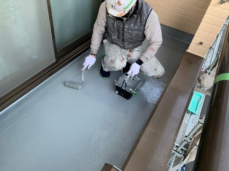 バルコニー床仕上げ塗り
